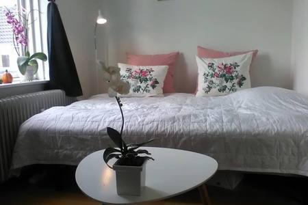 værelset-sengen