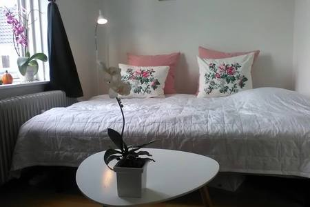 Hyggeligt værelse i villalejl. til pendler/lejer